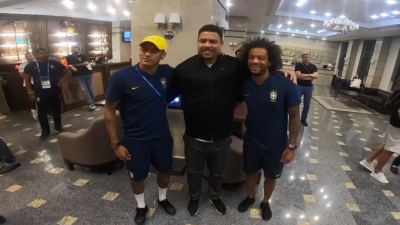 Voetballegende Ronaldo verrast Braziliaanse ploeg in hotel