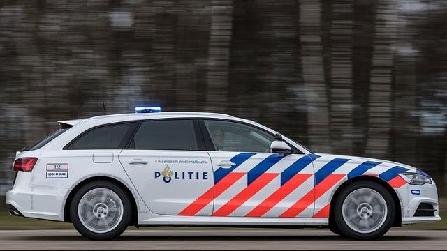 Cafébezoeker slaat man met glas in zijn gezicht in Bergen op Zoom