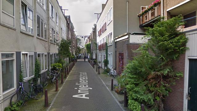 Collectief 'Kinderen van Mokum' kraakt pand op Anjeliersstraat