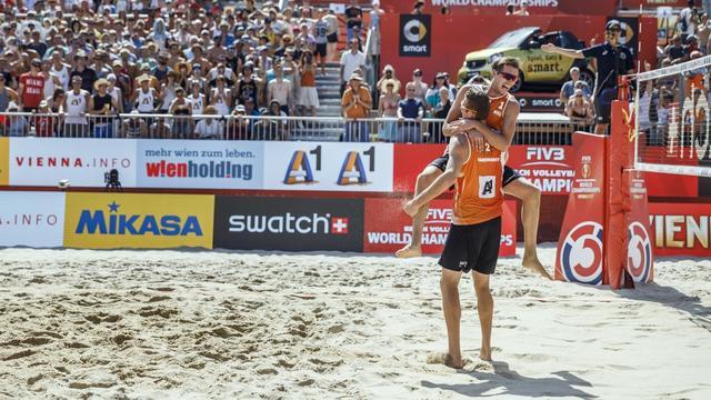 Varenhorst/Van Garderen stoomt door naar laatste acht WK beachvolleybal