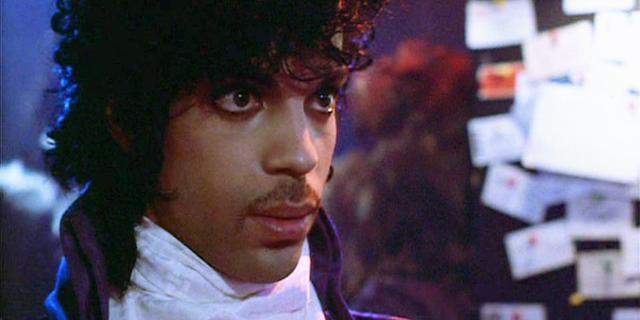 Overhemd dat Prince droeg in Purple Rain geveild voor 90.000 euro