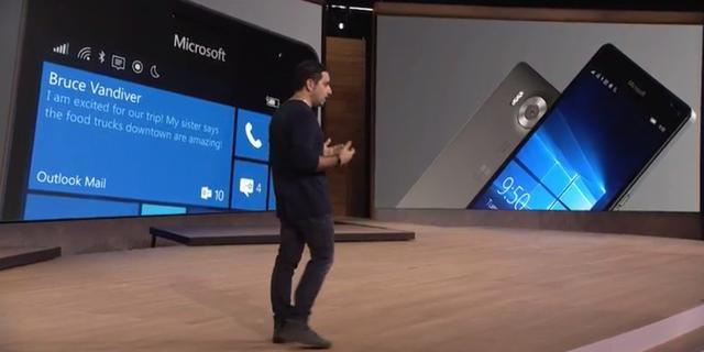 Microsoft toont Windows 10-telefoons en nieuwe Surface-apparaten
