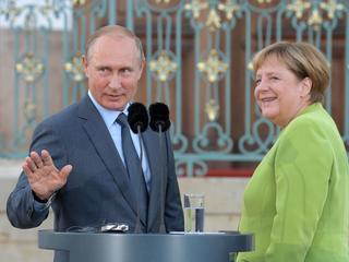 """Russische president noemt vluchtelingencrisis """"zware last voor Europa"""""""