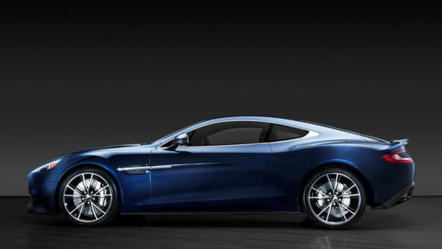 Aston Martin van Bond-acteur Daniel Craig geveild