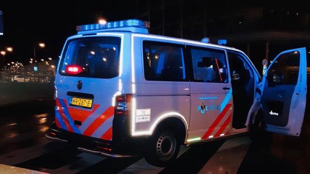 Drie mannen plegen ramkraak op winkel in Delftwijk