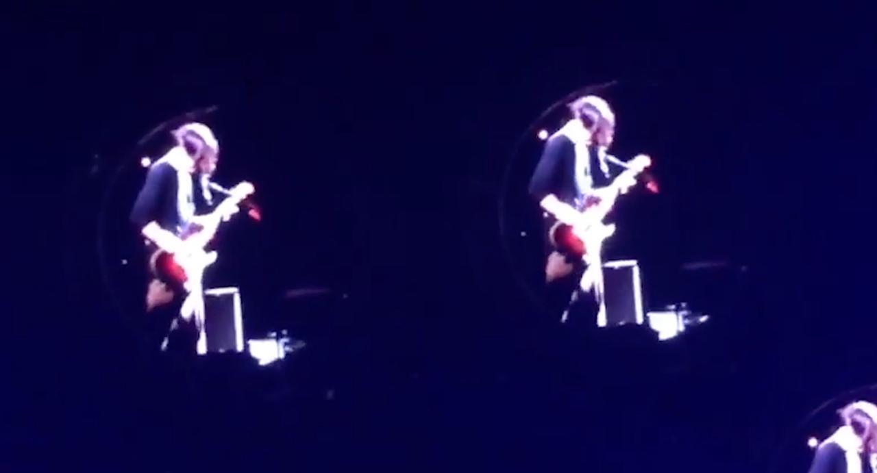 Red Hot Chili Peppers en Josh Klinghoffer spelen 'A Face in the Crowd'