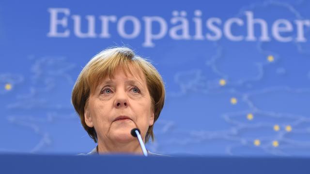 'Merkel doet beroep op grote bedrijven om vluchtelingen aan te nemen'