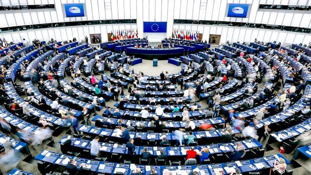 Europees Parlement wijst Eurocommissarissen Hongarije en Roemenië af