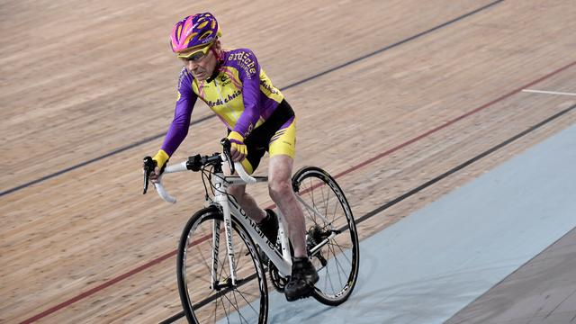 105-jarige wielrenner breekt wereldrecord in leeftijdscategorie
