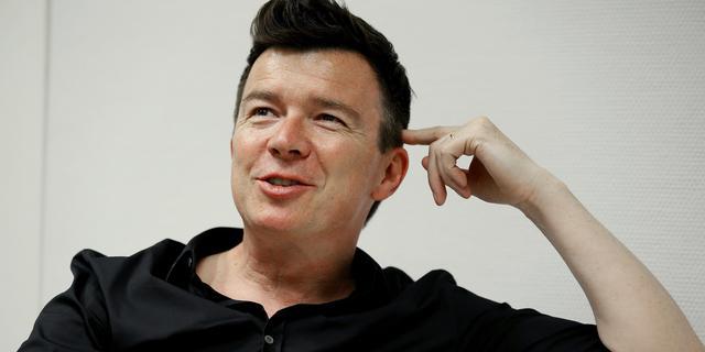 Man luistert 75 uur lang naar nummer Rick Astley voor goede doel