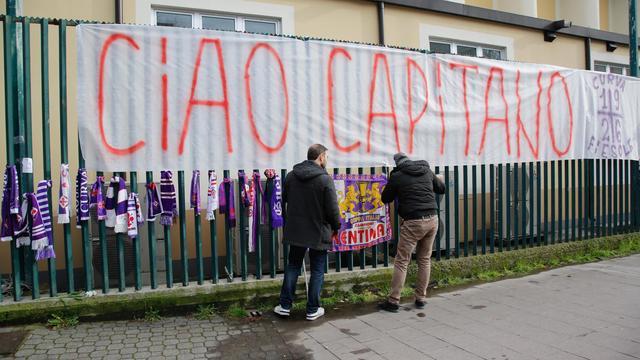 Fans Fiorentina rouwen om plotselinge dood aanvoerder Astori
