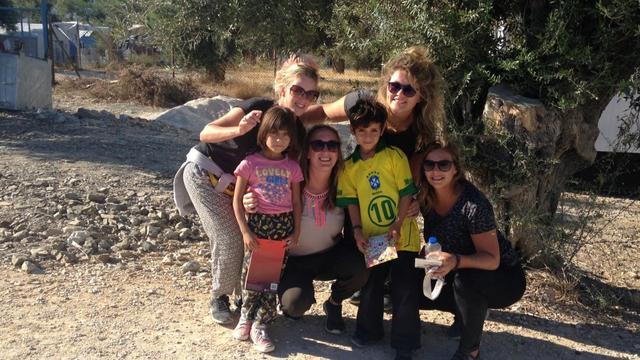 Vier vriendinnen in actie voor vluchtelingen in Griekenland