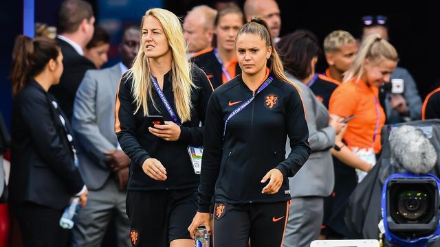 Van der Gragt mist tweede WK-duel Oranjevrouwen vanwege knieblessure