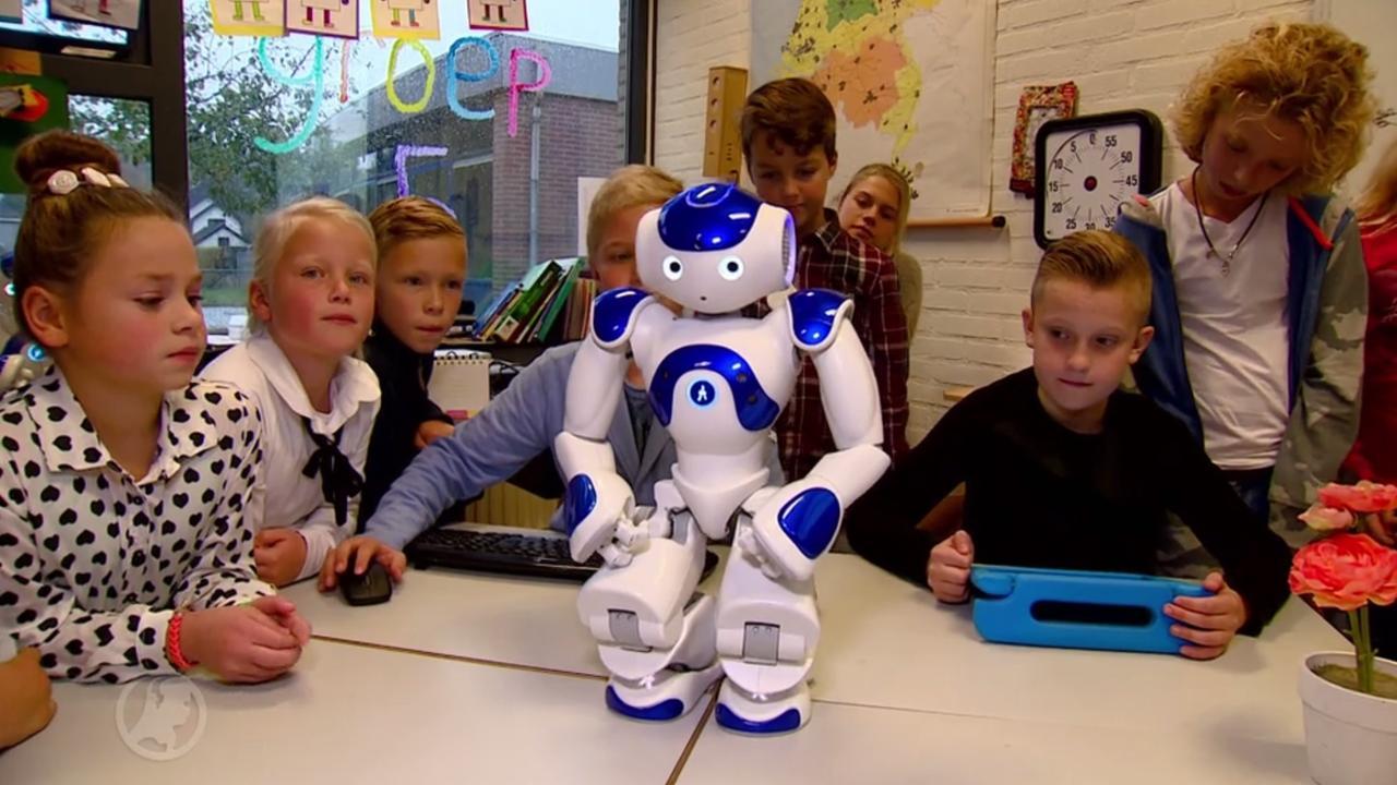 Robot Eddy leert basisschoolkinderen rekenen