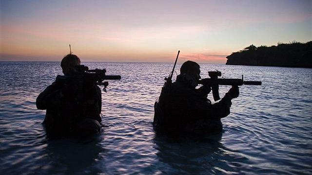 Militairen geëerd voor missie tegen piraten