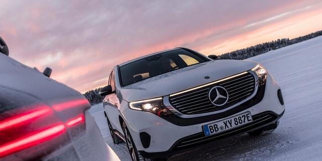 Een elektrische auto komt minder ver in de winter; hoe komt dat?