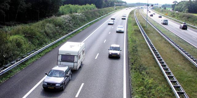 A58 richting Bergen op Zoom weer open na ongeval met een vrachtwagen