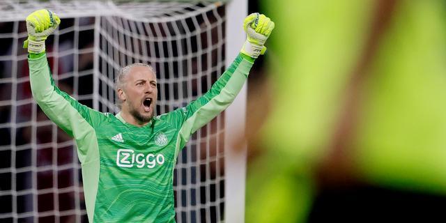 Pasveer blinkt uit bij imponerend Ajax: 'Een van mooiste duels uit mijn loopbaan'
