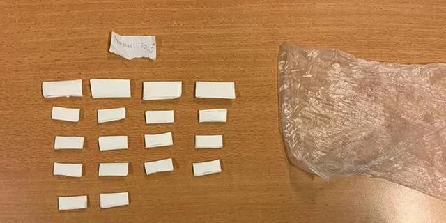 Politie onderschept meer dan vijftig envelopjes met drugs in Utrecht