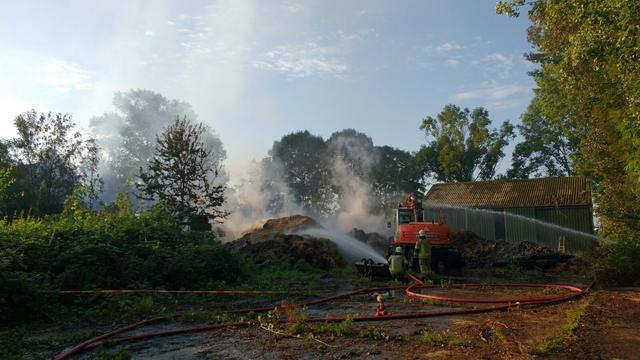 Brand in leegstaande boerderij Kapelle onder controle