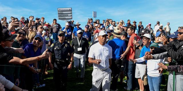 Tiger Woods klimt naar middenmoot bij rentree in Californië