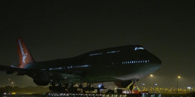 Boeing 747 van Corendon met succes getransporteerd over snelweg A9
