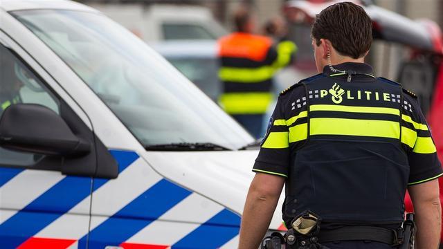 Politie vindt nep-handgranaten in pand op de Haagdijk