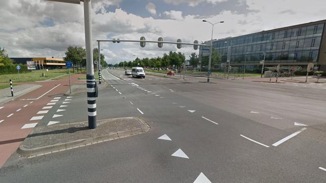 Fietser aangereden door stadsbus op Ettensebaan
