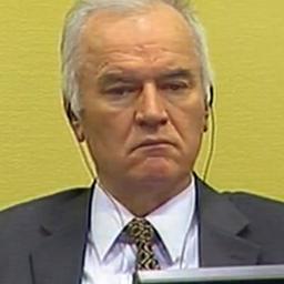 Boze Ratko Mladic verwijderd uit rechtszaal tijdens voorlezen vonnis