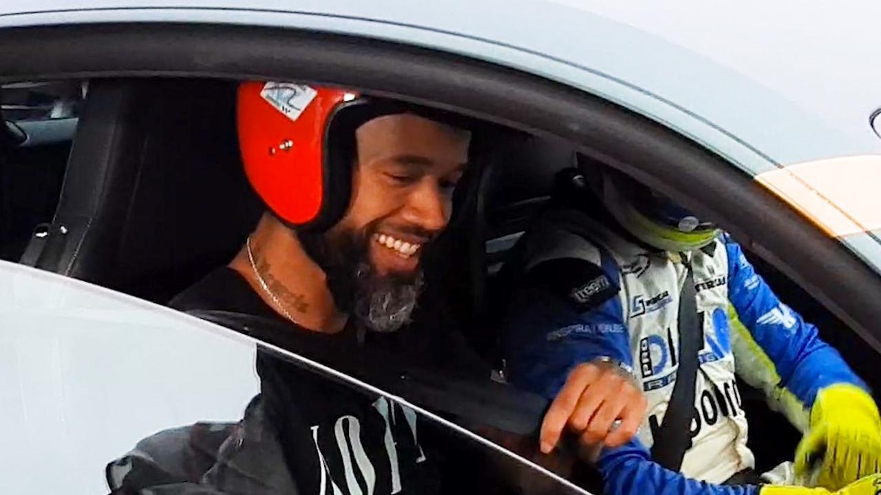 Mr. Probz en prins Bernhard racen op circuit Zandvoort