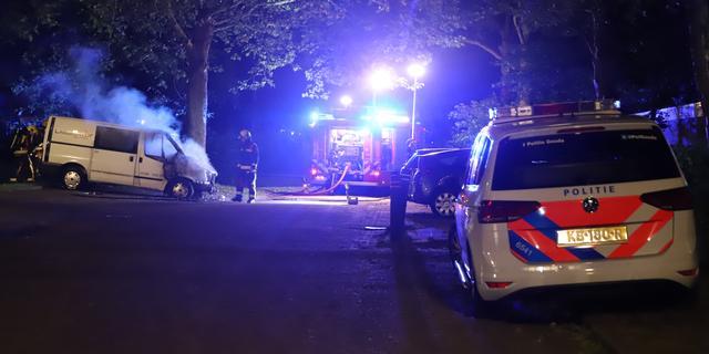 Drie jongens opgepakt voor reeks autobranden in Gouda