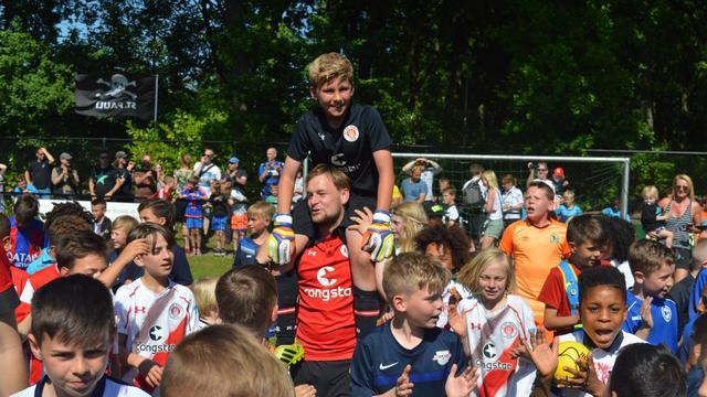 Sankt Pauli wint eerste internationale voetbaltoernooi Halsteren