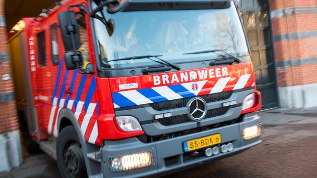 Brandweer voorkomt uitslaande zolderbrand in Merenwijk