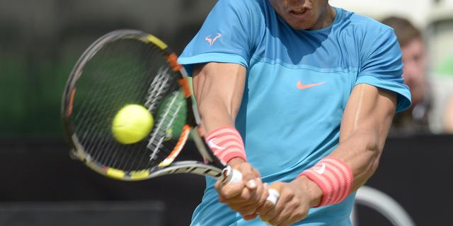 Nadal in drie sets langs Tomic in Stuttgart