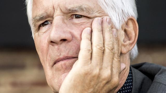 Kees van Kooten: Vier sterren voor boek over cartoonisten en zijn ziekbed