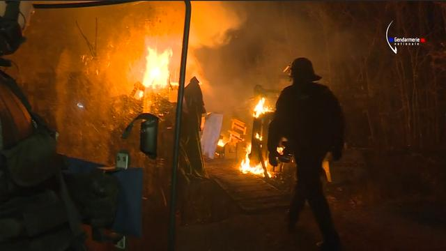 Franse politie valt protestkamp tegen opslag nucleair afval binnen