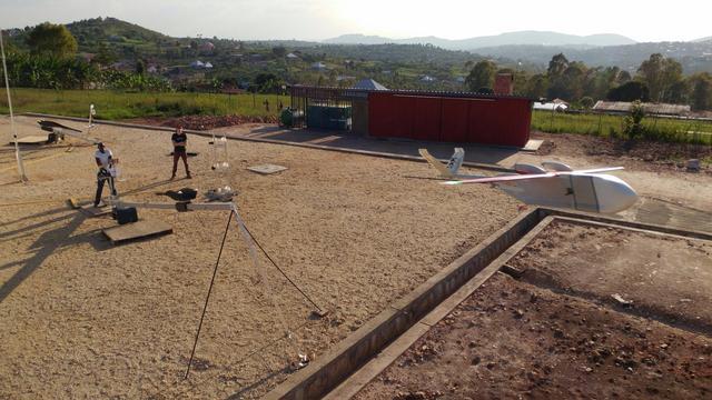 Startup gaat medicijnen met drones leveren in Tanzania