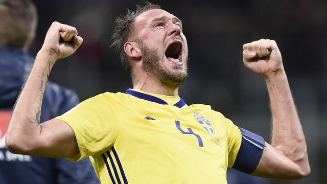 Granqvist lost Ibrahimovic na tien jaar af als beste speler van Zweden
