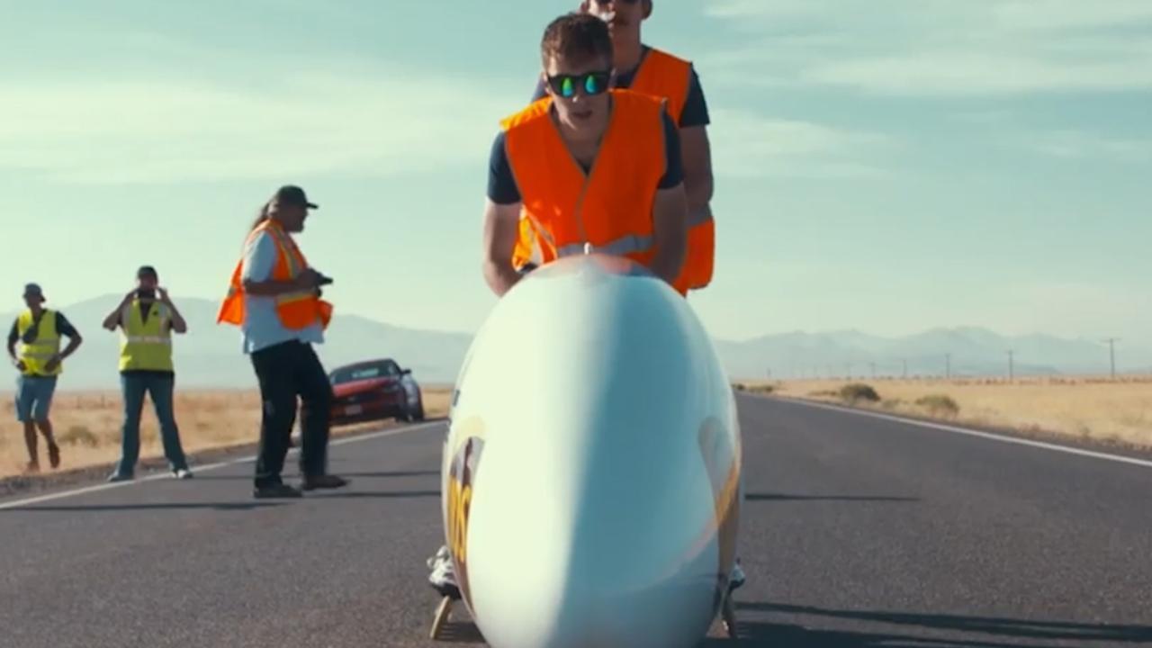 Wielrenster Rooderkerken verbreekt Nederlands record in ligfiets