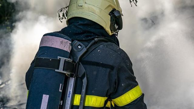 Woning in flat aan Diamantstraat loopt forse schade op door brand