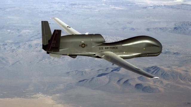 Toezichthouder VS verbiedt boven regio's in Iraans luchtruim te vliegen