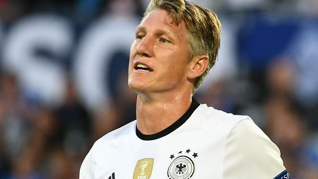 Mourinho denkt niet dat Schweinsteiger dit seizoen speelt