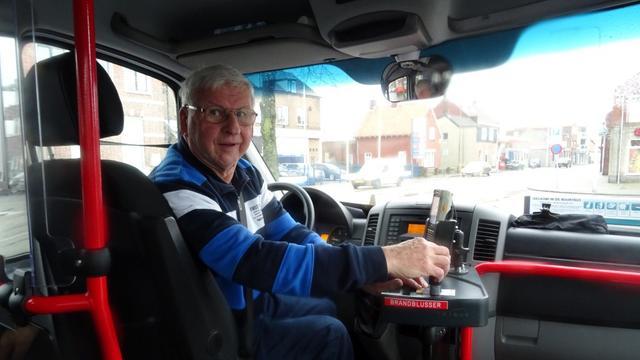 Succesvolle buurtbus wordt opgenomen in gewone dienstregeling