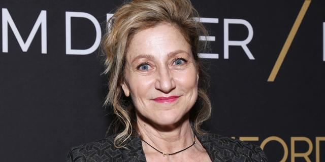 Edie Falco speelt Hillary Clinton in derde American Crime Story