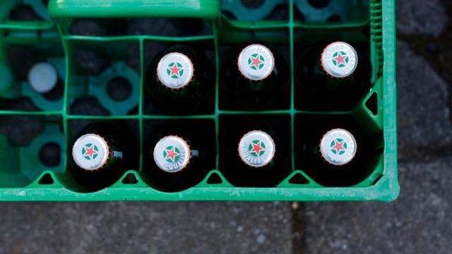 Dronkenlappen zetten supermarkt op stelten