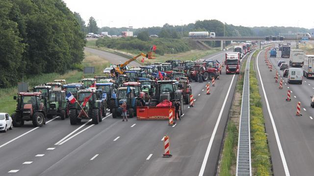 Boze boeren blokkeerden enkele uren de A1 bij Holten