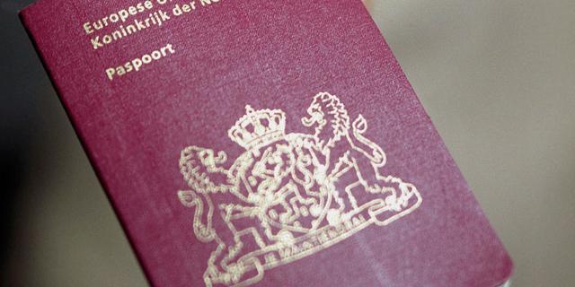 Politie houdt man aan met gestolen paspoorten en ID-bewijzen in rugzak
