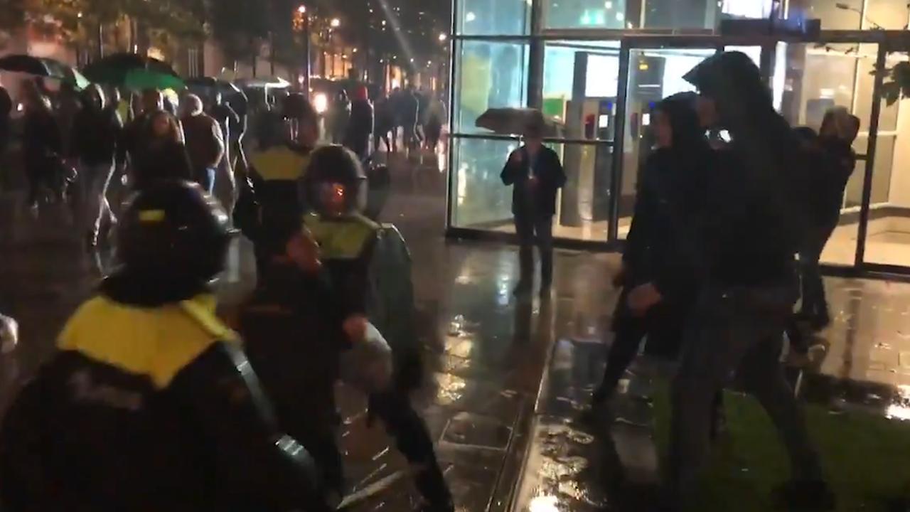 Koerden en Turken met elkaar op de vuist in Rotterdam