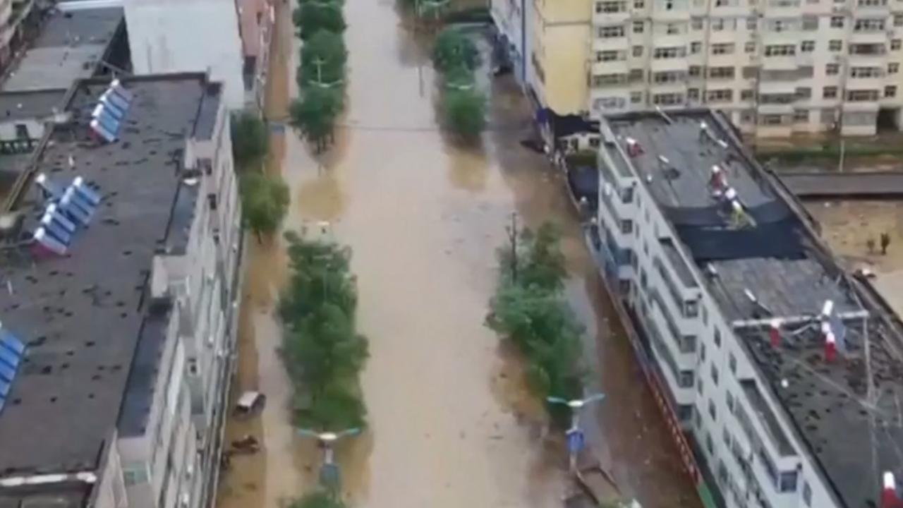 Dronebeelden tonen ernstige overstromingen in Noordwest-China