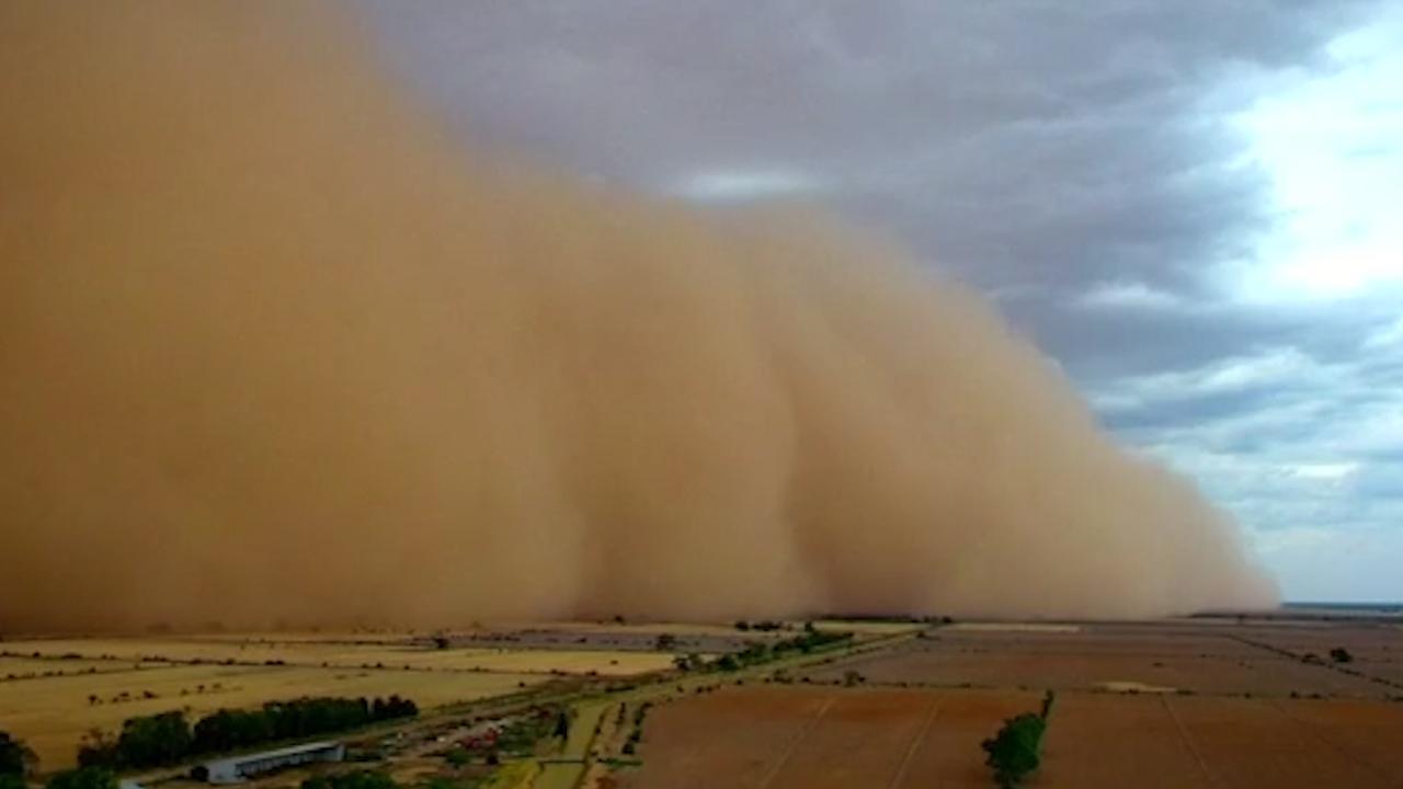 Stofstorm raast over Australische platteland